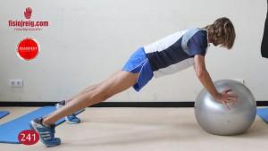 Ejercicio de propiocepción espalda con fitball