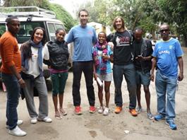 Equipo y amigos en Etiopía
