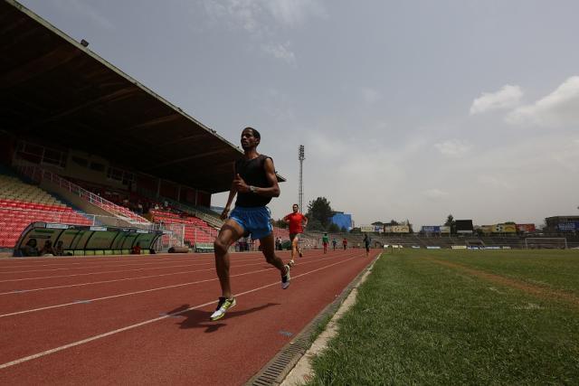 Estadio olímpico de Adis