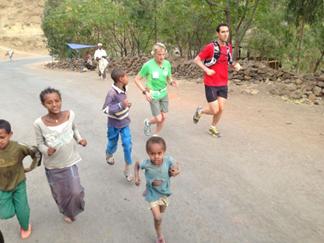 Jesús Calleja entrenando en Etiopía