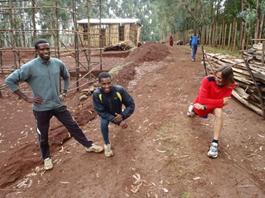Raül Campeny con atletas etíopes