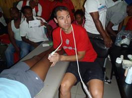 Tratamiento y ecografía atletas etíopes